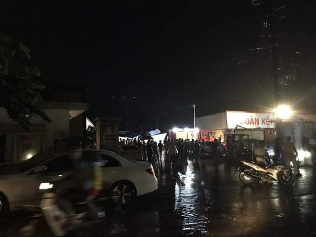 [ẢNH] Hiện trường vụ sập nhà xưởng ở Vĩnh Phúc làm 3 người chết, 18 người bị thương - Ảnh 5.