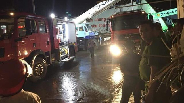 [ẢNH] Hiện trường vụ sập nhà xưởng ở Vĩnh Phúc làm 3 người chết, 18 người bị thương - Ảnh 6.