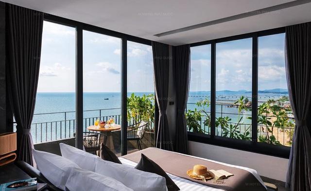 Phú Quốc: Top 3 khách sạn 4 sao giá chỉ từ 1,5 triệu đêm nằm ngay sát biển, ngắm hoàng hôn tuyệt đẹp - Ảnh 1.