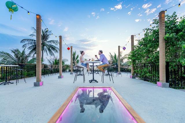 Phú Quốc: Top 3 khách sạn 4 sao giá chỉ từ 1,5 triệu đêm nằm ngay sát biển, ngắm hoàng hôn tuyệt đẹp - Ảnh 10.