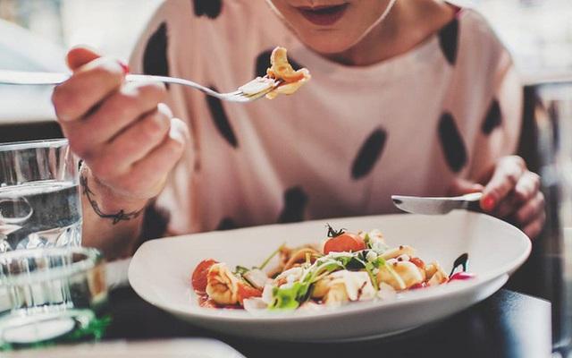 Thực phẩm chế biến sẵn là kẻ thù của sức khỏe: Thay đổi chế độ ăn lành mạnh ngay hôm nay để cảm nhận sự khác biệt từ bên trong cơ thể - Ảnh 2.