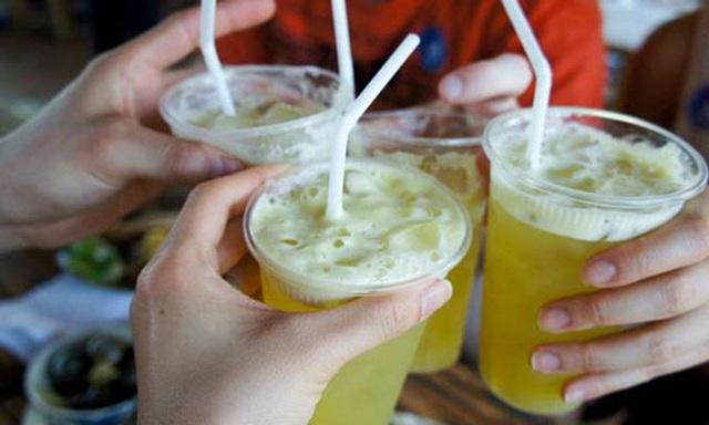 Uống nước mía trong mùa hè: Vừa đã khát lại diệt trừ bệnh tật nhưng nếu thuộc 5 nhóm người sau thì bạn tốt nhất nên nhịn miệng - Ảnh 2.