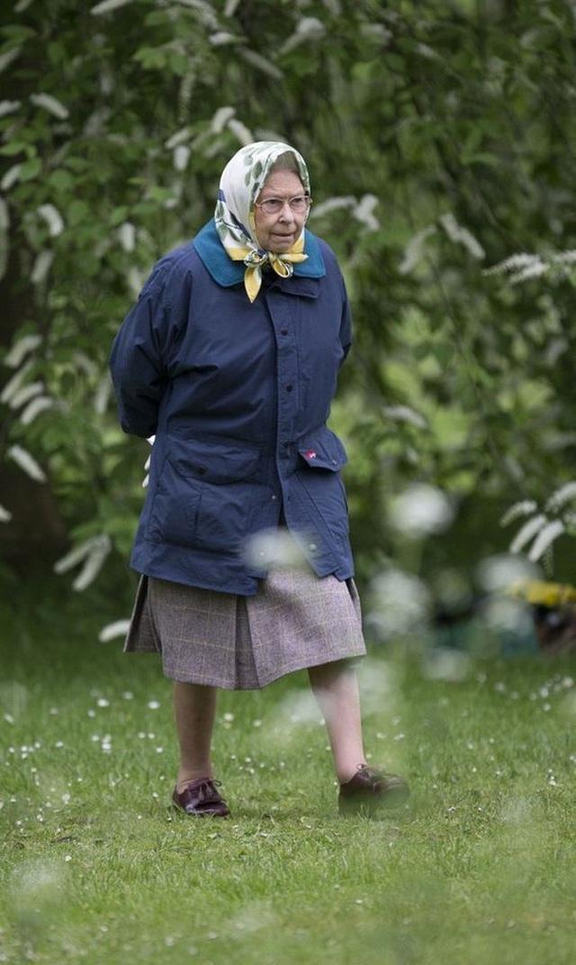 Thực đơn ăn kiêng và bí quyết giữ sức khỏe giá bình dân giúp Nữ hoàng Elizabeth II ở tuổi 94 vẫn trẻ trung, khỏe mạnh - Ảnh 8.