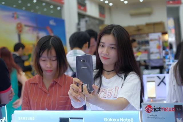 Mẫu iPhone quốc dân tiếp tục khuấy động thị trường smartphone cũ - Ảnh 2.