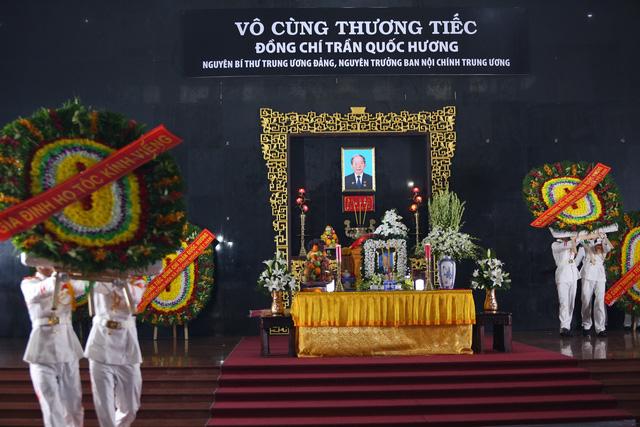 [Ảnh] Xúc động, nghiêm trang lễ tang người thầy của những nhà tình báo huyền thoại Trần Quốc Hương - Ảnh 1.