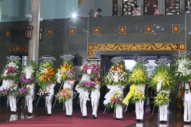 [Ảnh] Xúc động, nghiêm trang lễ tang người thầy của những nhà tình báo huyền thoại Trần Quốc Hương - Ảnh 2.