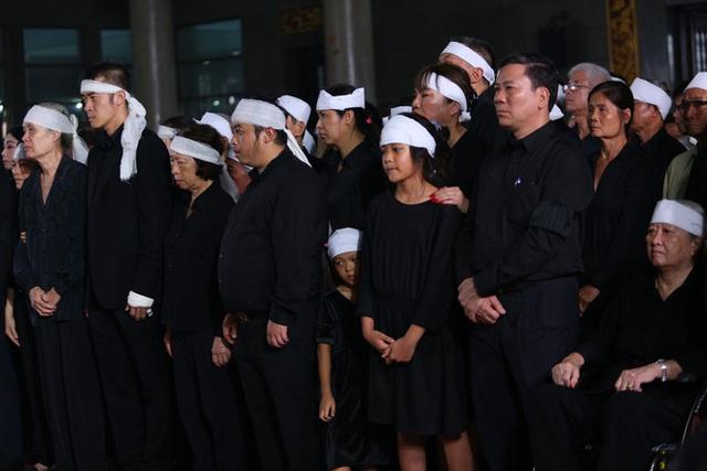 [Ảnh] Xúc động, nghiêm trang lễ tang người thầy của những nhà tình báo huyền thoại Trần Quốc Hương - Ảnh 14.