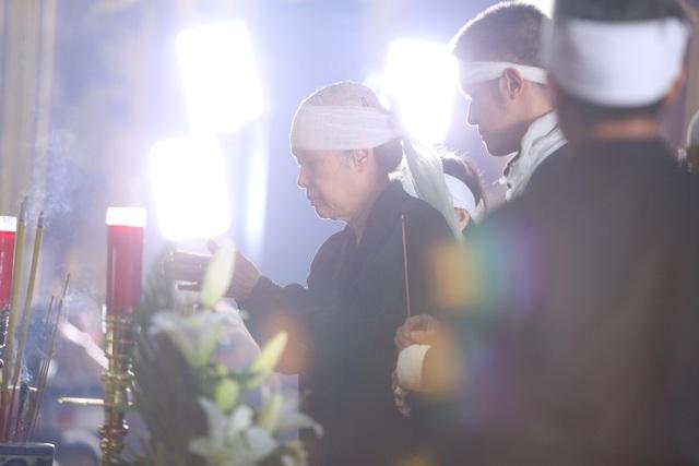 [Ảnh] Xúc động, nghiêm trang lễ tang người thầy của những nhà tình báo huyền thoại Trần Quốc Hương - Ảnh 16.