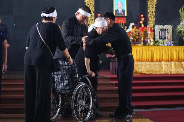 [Ảnh] Xúc động, nghiêm trang lễ tang người thầy của những nhà tình báo huyền thoại Trần Quốc Hương - Ảnh 25.