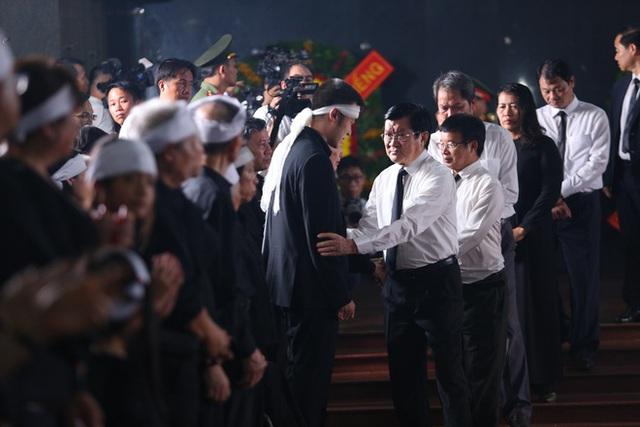 [Ảnh] Xúc động, nghiêm trang lễ tang người thầy của những nhà tình báo huyền thoại Trần Quốc Hương - Ảnh 26.
