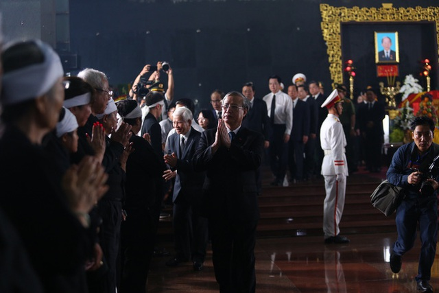 [Ảnh] Xúc động, nghiêm trang lễ tang người thầy của những nhà tình báo huyền thoại Trần Quốc Hương - Ảnh 27.