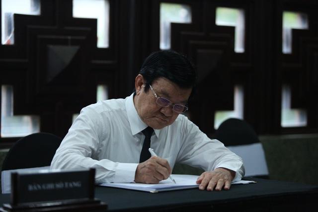 [Ảnh] Xúc động, nghiêm trang lễ tang người thầy của những nhà tình báo huyền thoại Trần Quốc Hương - Ảnh 28.