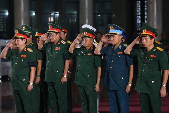 [Ảnh] Xúc động, nghiêm trang lễ tang người thầy của những nhà tình báo huyền thoại Trần Quốc Hương - Ảnh 5.