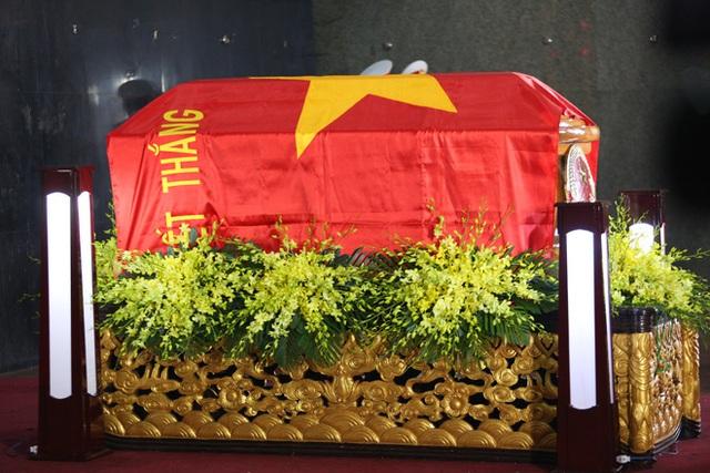 [Ảnh] Xúc động, nghiêm trang lễ tang người thầy của những nhà tình báo huyền thoại Trần Quốc Hương - Ảnh 9.