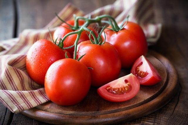 Tỏi, cà chua, bông cải xanh là những thực phẩm tốt cho sức khỏe, nhưng nếu chế biến và ăn sai cách thế này thì chẳng còn dinh dưỡng nữa - Ảnh 3.