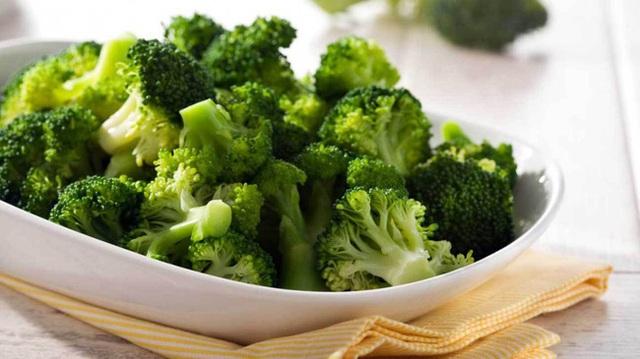 Tỏi, cà chua, bông cải xanh là những thực phẩm tốt cho sức khỏe, nhưng nếu chế biến và ăn sai cách thế này thì chẳng còn dinh dưỡng nữa - Ảnh 4.
