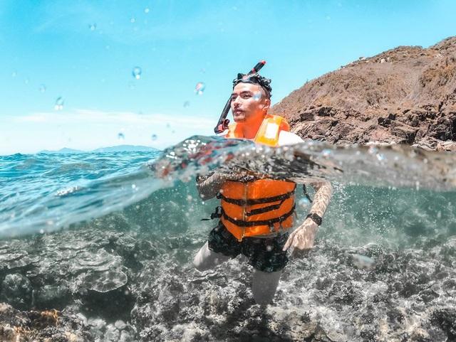 Sau chuyến đi thỏa mãn tại vịnh Ninh Vân, blogger Lý Thành Cơ gợi ý resort 5 sao cho các cặp đôi: Lãng mạn, yên bình, dịch vụ độc đáo tuyệt vời! - Ảnh 7.