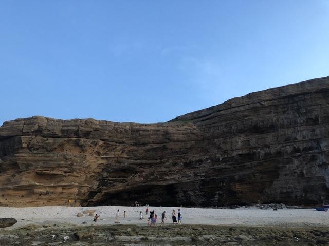 Cẩm nang khám phá Lý Sơn 5 ngày 4 đêm: Đảo tiên giữa biển khơi, đẹp mê hoặc lòng người - Ảnh 2.