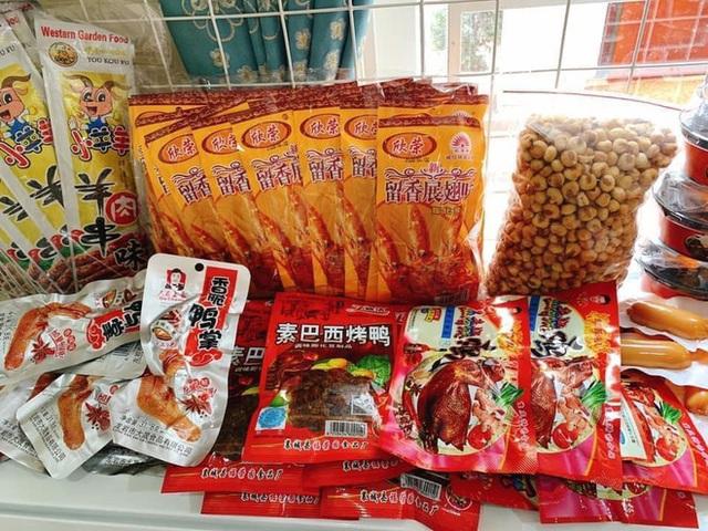 Rộ đồ ăn vặt nội địa Trung trên chợ mạng: Giá rẻ không thiếu thứ gì từ bánh kẹo, nước uống cho tới các loại thịt ăn liền - Ảnh 10.
