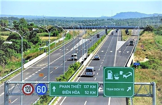 Quốc hội thông qua Nghị quyết đầu tư một số đoạn cao tốc Bắc-Nam - Ảnh 2.