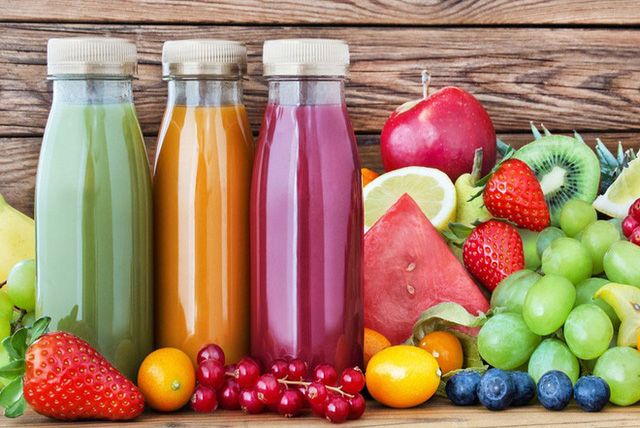 Uống bao nhiêu nước mỗi ngày là đủ cho một cơ thể khỏe mạnh? Lời giải đáp của các chuyên gia thực sự hữu ích trong những ngày hè nóng bỏng rát - Ảnh 2.
