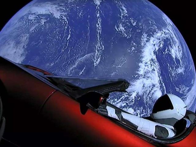 Nếu CEO Tim Cook là bậc thầy kinh doanh, thì CEO Elon Musk là bậc thầy về quảng cáo, mặc dù chưa từng chi dù chỉ 1 xu cho quảng cáo  - Ảnh 3.