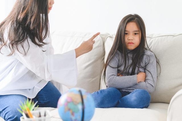 3 việc này có thể hủy hoại cả đời con cái, nhiều bố mẹ đang phạm sai lầm mà không nhận ra - Ảnh 1.