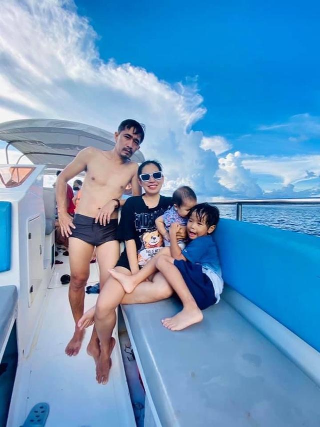 """Ông bố Hà Nội bỏ việc vì nghiện con: Cùng con """"đi đu đưa"""" từ 6 tháng tuổi, 3 tuổi đã """"thả"""" con đi khám phá đảo hoang, cứu hộ rùa - Ảnh 3."""