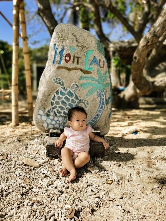"""Ông bố Hà Nội bỏ việc vì nghiện con: Cùng con """"đi đu đưa"""" từ 6 tháng tuổi, 3 tuổi đã """"thả"""" con đi khám phá đảo hoang, cứu hộ rùa - Ảnh 12."""