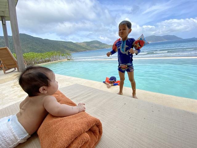 """Ông bố Hà Nội bỏ việc vì nghiện con: Cùng con """"đi đu đưa"""" từ 6 tháng tuổi, 3 tuổi đã """"thả"""" con đi khám phá đảo hoang, cứu hộ rùa - Ảnh 16."""