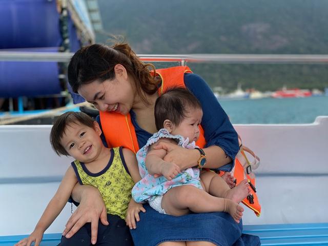"""Ông bố Hà Nội bỏ việc vì nghiện con: Cùng con """"đi đu đưa"""" từ 6 tháng tuổi, 3 tuổi đã """"thả"""" con đi khám phá đảo hoang, cứu hộ rùa - Ảnh 17."""