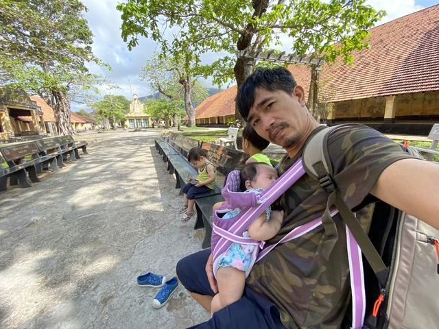 """Ông bố Hà Nội bỏ việc vì nghiện con: Cùng con """"đi đu đưa"""" từ 6 tháng tuổi, 3 tuổi đã """"thả"""" con đi khám phá đảo hoang, cứu hộ rùa - Ảnh 4."""