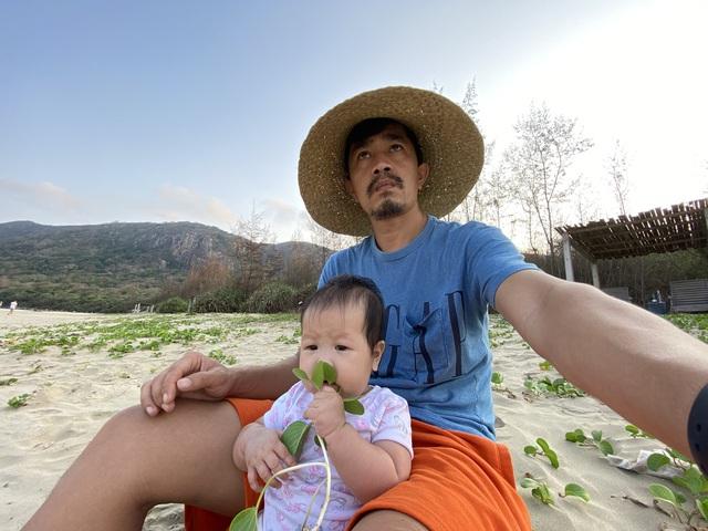 """Ông bố Hà Nội bỏ việc vì nghiện con: Cùng con """"đi đu đưa"""" từ 6 tháng tuổi, 3 tuổi đã """"thả"""" con đi khám phá đảo hoang, cứu hộ rùa - Ảnh 6."""