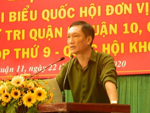 Cử tri TPHCM đề nghị tiếp tục xử lý ông Tất Thành Cang - Ảnh 1.