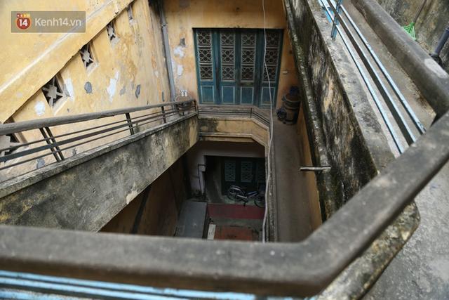 Chiêm ngưỡng biệt thự của đại gia nức tiếng ở Hàng Đào: Gạch lát mua từ Paris, trả trăm tỷ không bán - Ảnh 11.