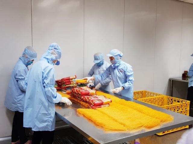 Thấy bánh tráng bán tại Mỹ ghi made in Thailand, Chàng trai Củ Chi quyết tâm mang bánh tráng, phở Việt tới 42 quốc gia trên thế giới - Ảnh 1.