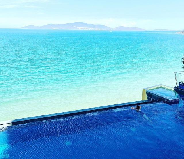 4 khách sạn 5 sao đáng ở nhất khi tới Nha Trang: Hồ bơi vô cực view tầng cao sang chảnh, giá còn giảm tới 50%! - Ảnh 4.