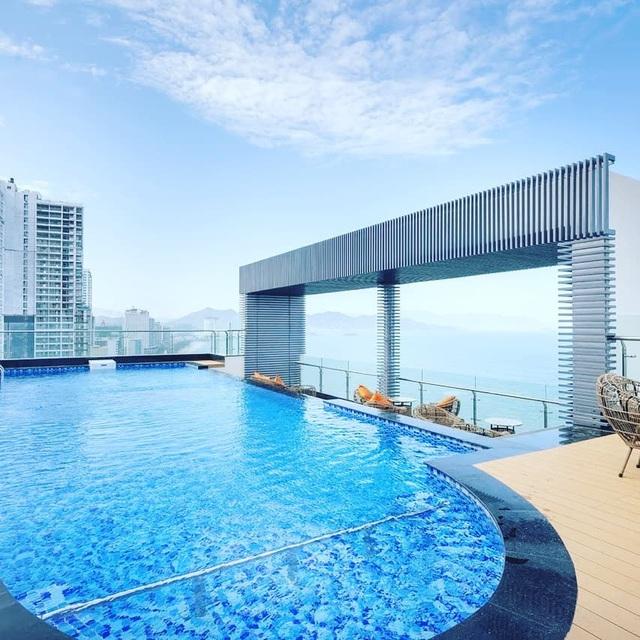 4 khách sạn 5 sao đáng ở nhất khi tới Nha Trang: Hồ bơi vô cực view tầng cao sang chảnh, giá còn giảm tới 50%! - Ảnh 2.