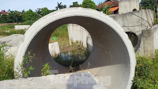Nhìn gần con đường nghìn tỷ ở trung tâm Hà Nội sau hai năm làm được vài trăm mét - Ảnh 9.