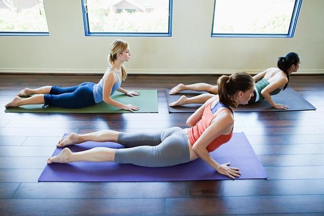 Bệnh đau lưng tấn công người trẻ nặng nề: 4 hành vi nhỏ bạn đang làm sai gây hậu quả - Ảnh 3.