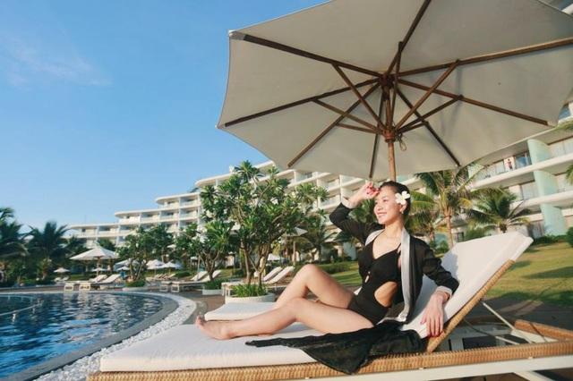 Bí quyết để có những tấm hình bên bể bơi như travel blogger: Du lịch thời nay, ngoài ăn chơi nghỉ dưỡng, đi về nhất định phải có ảnh đẹp!  - Ảnh 6.