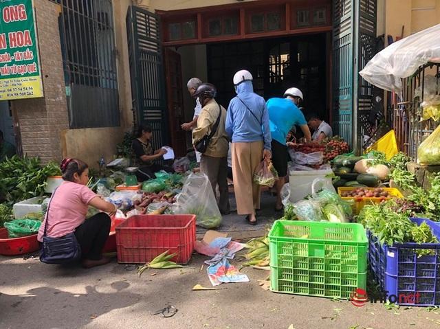 Nắng nóng, nghìn quả dừa bán veo mỗi ngày, thịt lợn không bóng khách - Ảnh 5.