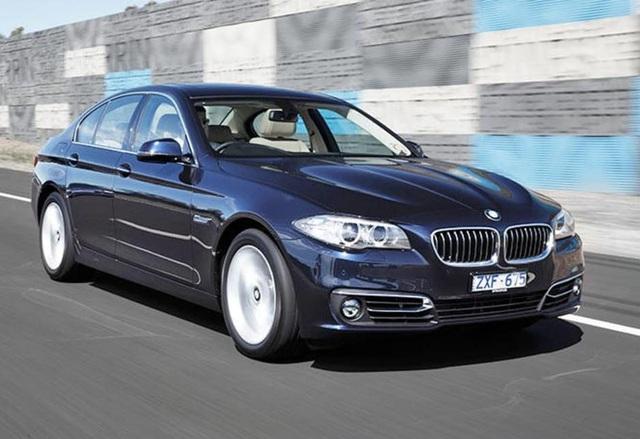 Điểm danh loạt mẫu ô tô giảm giá khủng, cao nhất gần 500 triệu - Ảnh 1.