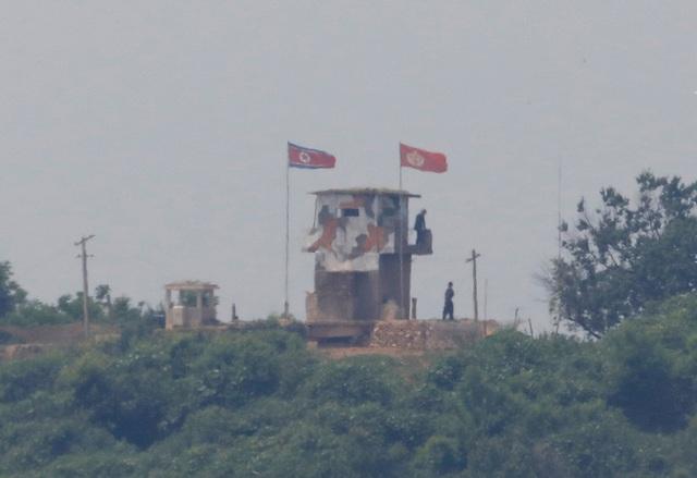 Trở nên cực kỳ khó đoán, điều gì đang xảy ra với ông Kim Jong-un?  - Ảnh 2.