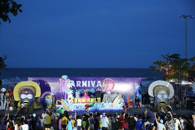 Sau Covid-19, du lịch Sầm Sơn bùng nổ với lễ hội Carnival đường phố - Ảnh 7.