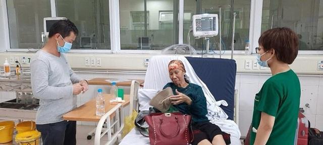 Bệnh nhân Covid-19 nặng nhất miền Bắc được xuất viện về nhà ở TP HCM  - Ảnh 2.