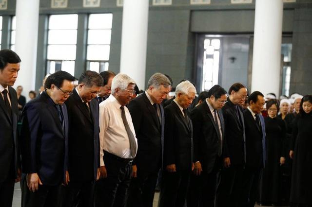 Lễ tang đồng chí Vũ Mão theo nghi thức cấp cao - Ảnh 6.