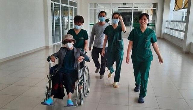 Bệnh nhân Covid-19 nặng nhất miền Bắc được xuất viện về nhà ở TP HCM  - Ảnh 9.