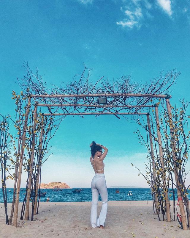Đến Quy Nhơn chơi, đừng bỏ qua 6 resort cao cấp này để chuyến đi thêm trọn vẹn: Tận hưởng kỳ nghỉ hè sang chảnh và yên bình không thể nào quên - Ảnh 2.
