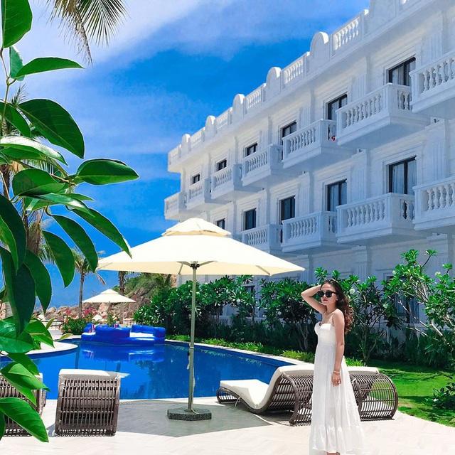 Đến Quy Nhơn chơi, đừng bỏ qua 6 resort cao cấp này để chuyến đi thêm trọn vẹn: Tận hưởng kỳ nghỉ hè sang chảnh và yên bình không thể nào quên - Ảnh 1.